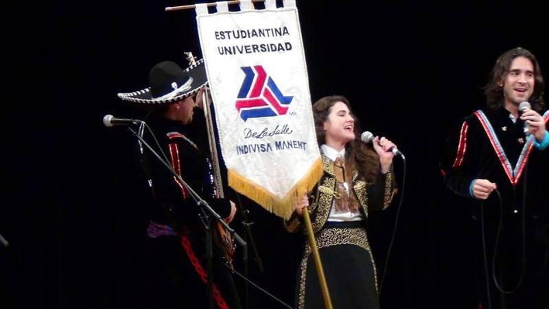 Orgullo de cantarle a México en Japón